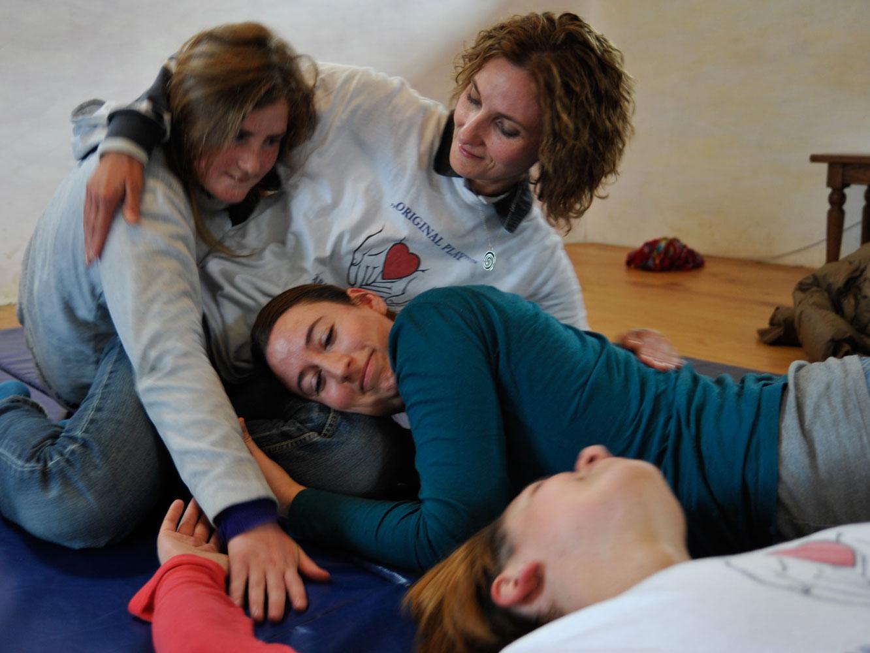 Jola mit Workshopteilnehmerinnen, Südafrika, 2012