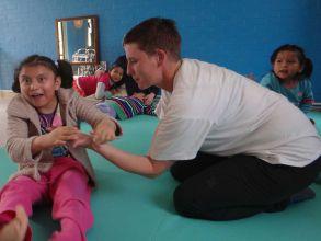 Original Play in einem Kinderheim in Mexiko City, 2013